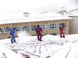 Клининговые услуги и уборка снега с крыши
